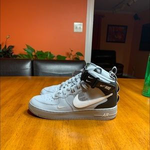 Air Force One Mid LV8 GS 6.5 Overbranding